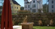 Neu errichtetes Hochbeet im Bürgerheim Biberbach